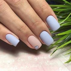 In Short nails have always been popular with fashion women. Short nails are diversified and colorful. In every season of Manicure fashion, you can see short nails on any. Prom Nails, Long Nails, Nails 2018, Short Gel Nails, Ongles Or Rose, Holographic Nails, Gradient Nails, Stiletto Nails, Matte Nails
