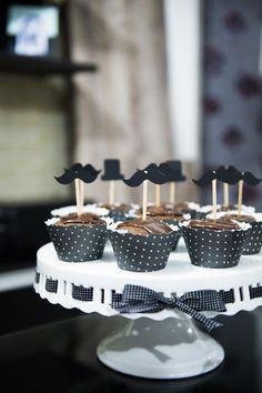 Festa do Bigode, cup cake com mustaches!!