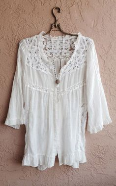 White Lace and cotton kimono jacket with lace up