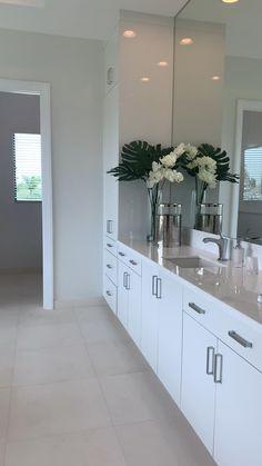 Home Room Design, Dream Home Design, Modern Interior Design, Interior Design Living Room, Modern Luxury Bathroom, Bathroom Design Luxury, Luxurious Bathrooms, Luxury Home Decor, White Bathroom