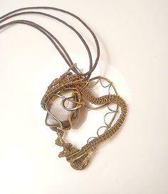 Tri srdcia pre Stellu, wire pendant brown tigre eye wrapping brass diy wire jewelry