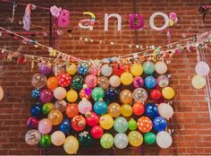 Helium Free Balloon Party Decor | Family Style #kids #niñ@s