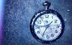 """#Seneca, Dal libro I: l'uso del #tempo. Mi affascina leggere i ragionamenti che Seneca fa - per via epistolare - con #Lucilio. Sono assolutamente freschi e contemporanei, applicabili oggi come allora.  """"1 - Comportati così, Lucilio mio, rivendica il tuo diritto su te stesso e il tempo che fino ad oggi ti veniva portato via o carpito o andava perduto raccoglilo e fanne tesoro. Convinciti che è proprio così, come ti scrivo: [segue] #lettere, #classici, #italiano, #vita, #morte,"""
