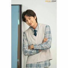 Running Man Funny, Running Man Cast, Lee Kwangsoo, Kwang Soo, Famous People, Korea, It Cast, Shirt Dress, Coat