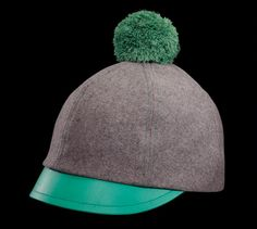 Description: Limited Edition, comes with a detachable bobble Design : Unisex model Shell fabric is wool and lining fabric is viscose Upper side of visor: Green Leather Color : Grey Made in: EU
