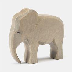 Ostheimer+Holztier+Elefantenbulle+(20420)+-+Holztiere+und+Holzfiguren+von+Ostheimer+sind+ein+tolles+pädagogisches+Holzpielzeug.+Die+Tierfiguren+von+Ostheimer+werden+in+Handarbeit+in+Deutschland+gefertigt+und+sind+ein+Spielzeug+für+die+Ewigk