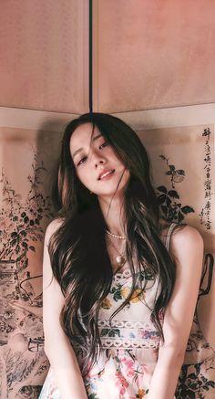 Baby Pink Aesthetic, Aesthetic Girl, Lisa Park, Korean Girl, Asian Girl, 17 Kpop, Blackpink Members, Black Pink Kpop, K Wallpaper