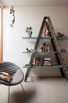 Repurposed Ladder from the 8 Unique DIY Shelf Inspirations article on HomeDesignBoard.com