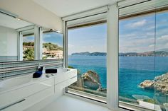 Mallorca Gold is luxury waterfront designer villa set in Santa Ponsa, a holiday resort in the south-west of Majorca, in the municipality of Calvià. Blue Pool, Conception Villa, Moving Walls, Relax, White Interior Design, Thing 1, Villa Design, Waterfront Homes, Am Meer