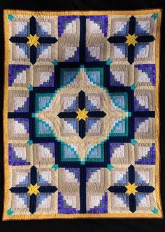 Log Cabin blocks - a fav. Log Cabin Quilt by Jay Falvey. Log Cabin Quilts, Log Cabin Quilt Pattern, Quilt Block Patterns, Quilt Blocks, Log Cabins, Log Cabin Patchwork, Colchas Quilting, Quilting Projects, Quilting Designs