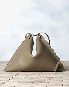 Céline's Fortune Cookie-bag - VOGUE NL Loves - Fashion - VOGUE Nederland