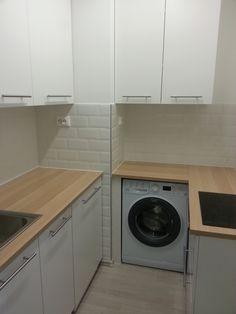 small kitchen, ikea kitchen, ikea eckbacken, subway tile
