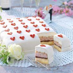 Bröllopstårta Mini Desserts, Delicious Desserts, Yummy Food, Baking Recipes, Cake Recipes, Dessert Recipes, Cocoa Cake, Kolaci I Torte, Swedish Recipes