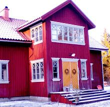 Exterior Paint Colors For House, Exterior Colors, Exterior Design, Outdoor Wall Lighting, Outdoor Decor, Red Houses, Scandinavian Home, Home Reno, Cottage Homes