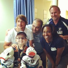 #tbt of Teemu Selanne visiting Faryan Heravi at #CHOCChildrens in June 2012. Faryan is now clear of cancer after battling back from Stage 4 Lymphoma! #anaheimducksfoundation
