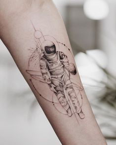 Astronaut Tattoo by mrtnv Danty Tattoos, Dreieckiges Tattoos, Forarm Tattoos, Black Tattoos, Body Art Tattoos, Ankle Tattoos, Arrow Tattoos, Friend Tattoos Small, Best Friend Tattoos