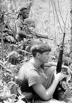 Vietnam History, Vietnam War Photos, Korean War, American War, Modern Warfare, Chevy Trucks, Armed Forces, Soldiers, Past
