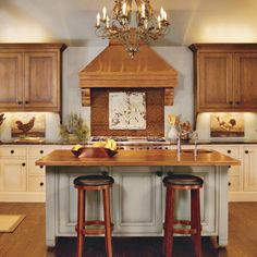 LOVE the cabinets and copper range hood & backsplash. Yep, this will be the starting point for the kitchen.