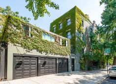 Click on this to see the rooms....Actress Michelle Williams has sold her Brooklyn townhouse for $8.8 million, doubling what she and the late Heath Ledger paid for it nine years ago.
