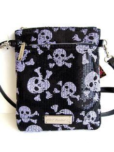 Amazon.com: Betsey Johnson Small Crossbody Xbody Handbag, Purple/Black: Clothing