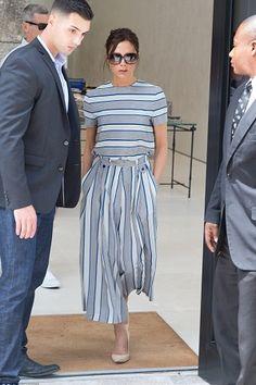 A pantacourt, ou calça culottes, retornou ao mundo fashion há algumas temporadas e promete ser destaque também no inverno 2017.