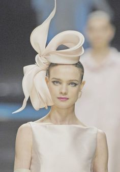 It's like Princess Beatrice's Royal Wedding fascinator, but (in my opinion) prettier!