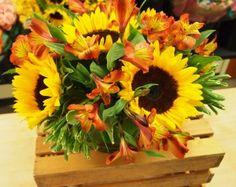 Sweet simple summer sunflower bouquet - DIY video with Sarah von Pollaro of PBS's FLOWER EMPOWERED! // sarah von pollaro