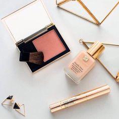 Fondotinta, mascara e correttore ESTĒE LAUDER. Il tuo kit di bellezza! 📞 Ordini telefonici 329.0010906 #makeup #eyes #foundation