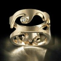 Untamed ring yellow gold