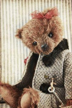 Seraphim Bears le Vie en Rose Traditional bear