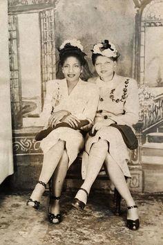 vintagegal:  Unidentified fashionable ladies c. 1940s