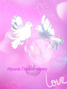 Рассадочные карты для свадьбы.с голубями