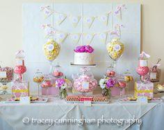 Mesa #primera #comunión #niña en color #rosa y #amarillo