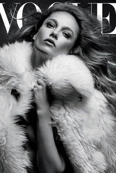 Karmen Pedaru, photo by David Roemer, Vogue Mexico, November 2015 * Vogue Magazine Covers, Fashion Magazine Cover, Fashion Cover, Vogue Covers, Gq, Ideas Para Photoshoot, Karmen Pedaru, Tamara, Magazin Covers