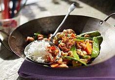 Schneller Asia-Wok mit Cashewnüssen