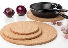Extra Large Pack of 4 Round Cork Trivet - 100% Quality Portuguese Cork - Without additives - Sizes 11.8 Inches + 9.8 Inches + 7.8 Inches + 5.9 Inches