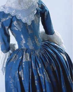 A Blue Gown. Robe a l'anglaise ca. 1780 From the Costume Museum of Canada A Blue Gown. Robe a l'anglaise ca. 1780 From the Costume Museum of Canada 18th Century Dress, 18th Century Costume, 18th Century Clothing, 18th Century Fashion, 19th Century, Rococo Fashion, Victorian Fashion, Vintage Fashion, Diy Fashion