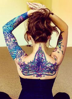 Neck tattoo idea for girls. Watch dozens of superb tattooed girls pictures on this page: Click the image to discover a world of ideas and inspiration for your tattoos…check all our tattoos ideas and designs.