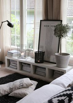 Soluções para apartamento pequeno. Veja: http://casadevalentina.com.br/blog/detalhes/decoracao-de-apartamento-pequeno-2944