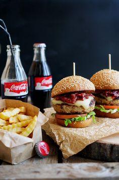 How to Make Best Burger - Delicious Burger - easy tasty hamburger recipes - burger ideas - vegan burger for diet - wet loss burger - low carb burger Low Carb Burger, Burger Bar, Burger And Fries, Food Wallpaper, Pub Food, Delicious Burgers, Dog Recipes, Hamburger Recipes, Recipes From Heaven