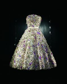 Christian Dior, 'Miss Dior' S/S 1949. DRESS EMBROIDERED WITH A THOUSAND FLOWERS