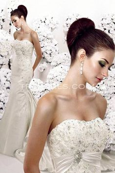 beautiful embroidery on front...great back