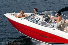 Un avance del nuevo #barco de Stingray: el 225LR.