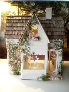 Cinderella Moments: Alana's Bakery Dollhouse - so adorable Popsicle Stick Crafts, Craft Stick Crafts, Miniature Houses, Miniature Dolls, Fairy Houses, Doll Houses, Cinderella Moments, All The Small Things, Miniture Things