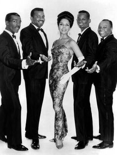 Photo: The Platters Groupe De Musiciens Rythm and Blues Chanteurs Noirs : Rock And Roll, 50s Music, Vintage Music, Breakup Songs, R&b Soul, Rhythm And Blues, Star Wars, Beautiful Songs, Soul Music