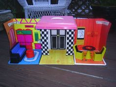 1970 Vintage Barbie Family House-Mattel (still have my house)
