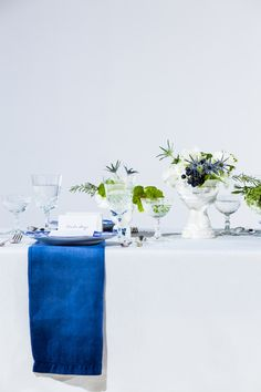 Spring wedding inspiration with beautiful blue hues | Photography: Tuan Bui - tuanb.com  Read More: http://www.stylemepretty.com/midwest-weddings/2014/05/01/blue-white-spring-table-inspiration-ombre-napkin-diy/