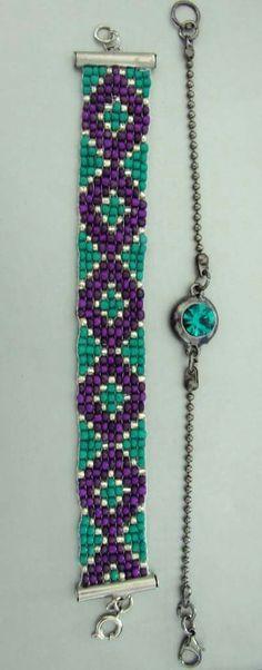 #beadedbracelet Bead Loom Patterns, Beading Patterns, Stitch Patterns, Bead Jewellery, Diy Jewelry, Beaded Jewelry, Bead Loom Bracelets, Bracelet Crafts, Loom Bands