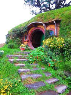 New Wonderful Photos: Hobbit House, New Zealand