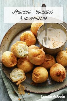 Découvrez vite cette recette. Italian Dishes, Food Pictures, Hamburger, Bubble, Muffin, Breakfast, Arancini Recipe, Recipe Of The World, Italian Side Dishes